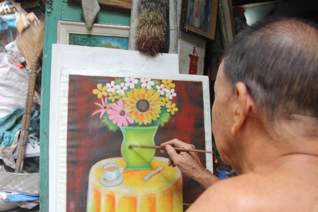 Cảnh đời nghèo mà vui của gia đình chồng vẽ tranh, vợ bán ve chai: Cứ vô tư mà sống, khổ cũng không buồn! - Ảnh 4.