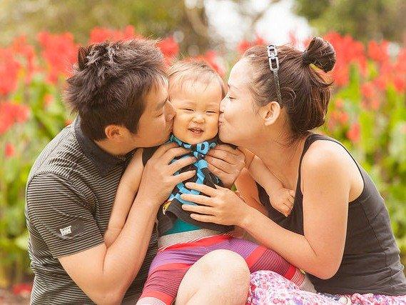 Ở những quốc gia này, phụ nữ sinh con còn được nhận quà và khen thưởng - Ảnh 3.