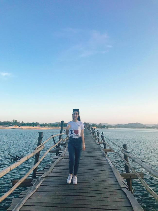 """photo 2 1491983832688 - Hoa hậu Mỹ Linh """"mách"""" hàng loạt món ăn vặt ngon, giá chỉ từ 3000đ ở xứ """"hoa vàng cỏ xanh"""""""