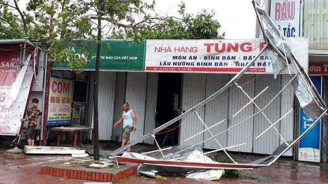Nghệ An: Sập nhà trong cơn bão, một người phụ nữ tử vong - Ảnh 1.