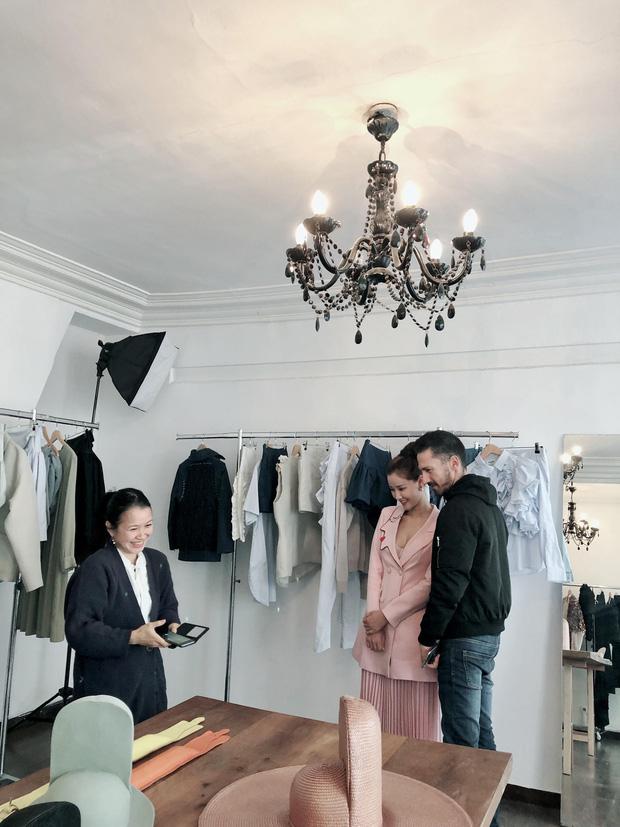 Vừa đấu khẩu chán chê với Tâm Tít xong, Maya quyết định sang ngao du Paris Fashion Week - Ảnh 3.
