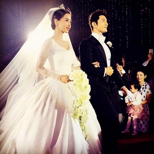 Cùng với Song Hye Kyo, nhiều người đẹp cũng từng diện thiết kế váy cưới Dior trong ngày trọng đại - Ảnh 9.