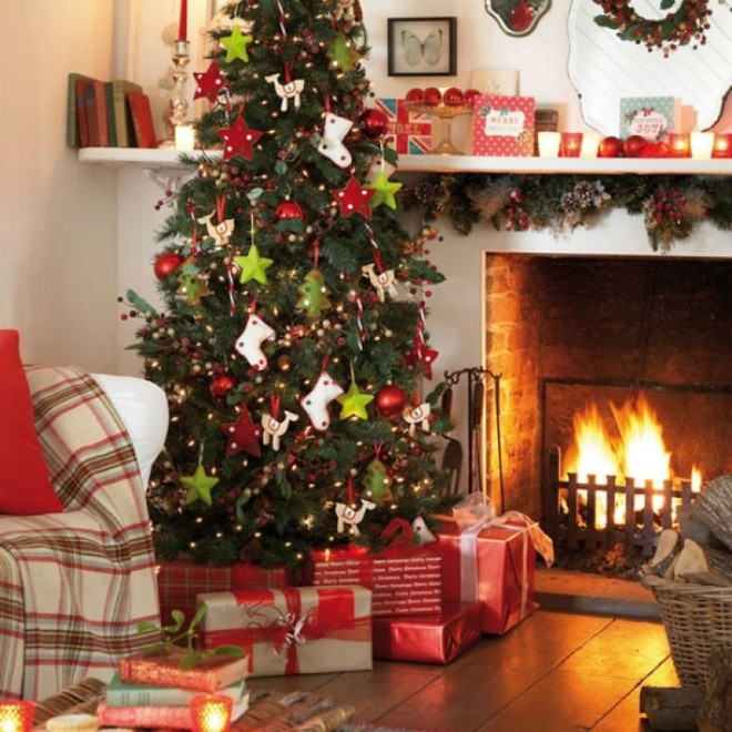 Những kiểu trang trí phòng khách đậm chất Giáng sinh nhìn đã thấy an lành - Ảnh 3.