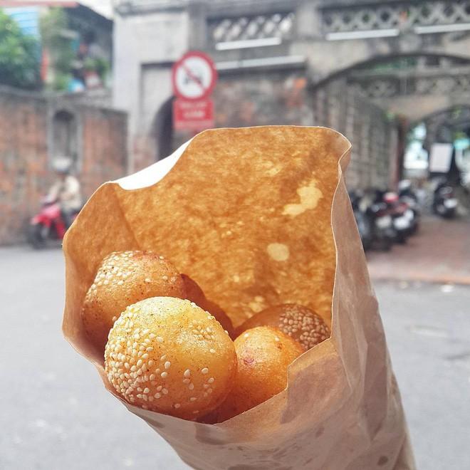 Mách bạn 4 hàng bánh rán chỉ từ 1k mà chủ hàng lúc nào cũng niềm nở, thân thiện ở Hà Nội - Ảnh 3.