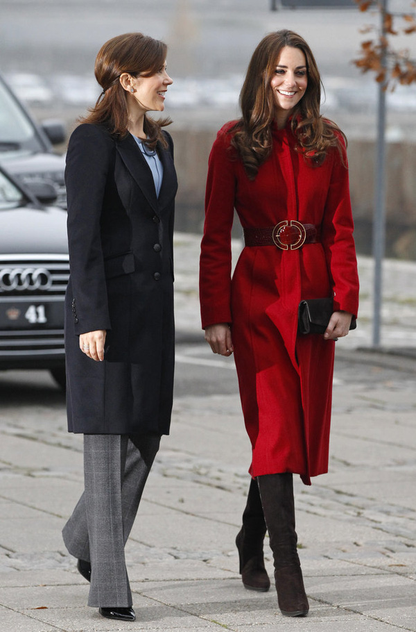Có một vị công nương còn mặc đẹp hơn cả Kate Middleton - Ảnh 24.