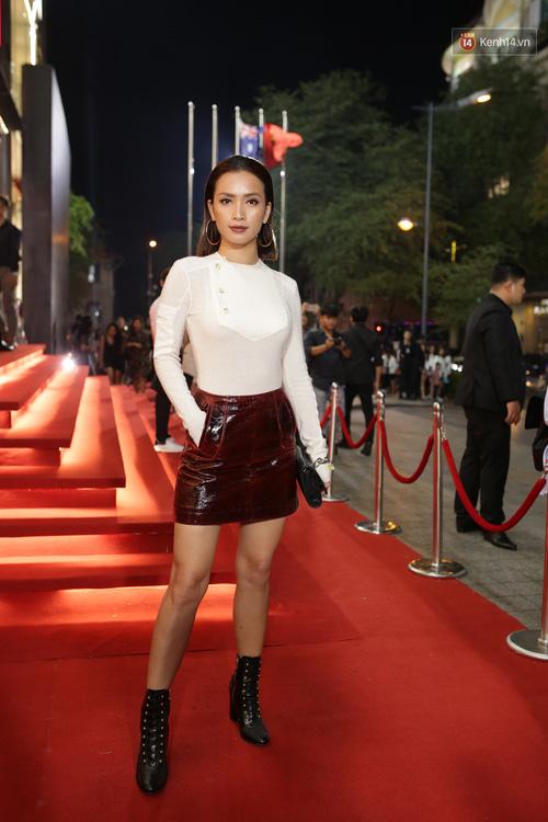 Angela Phương Trinh & Chi Pu quá đỗi sành điệu, công phá thảm đỏ sự kiện ra mắt H&M Việt Nam - Ảnh 22.