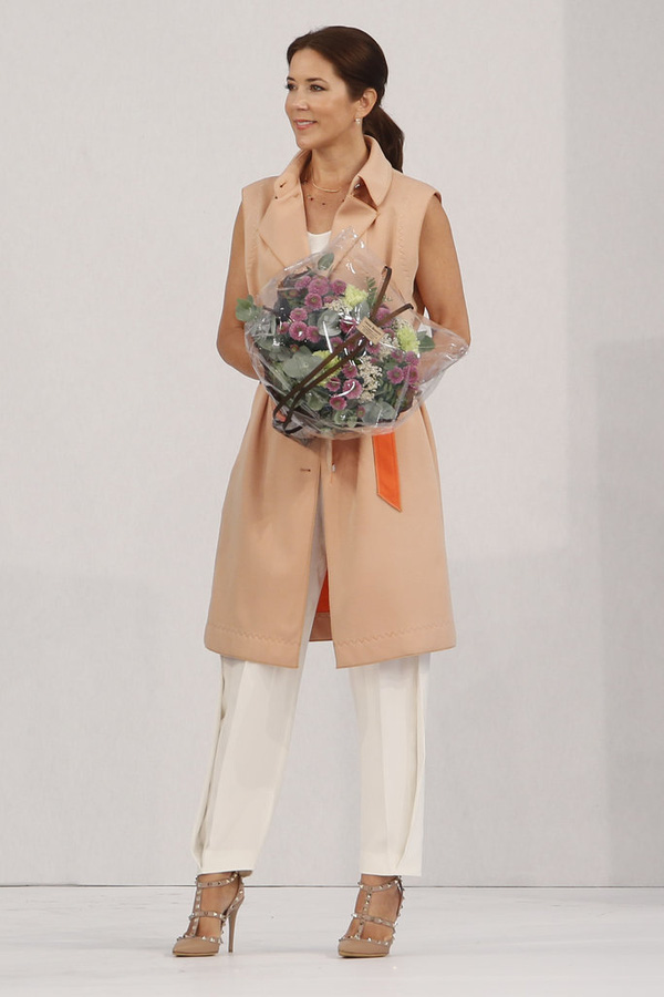 Có một vị công nương còn mặc đẹp hơn cả Kate Middleton - Ảnh 25.