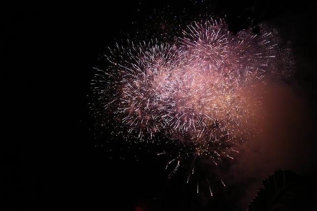 Chùm ảnh: Giới trẻ khắp mọi miền háo hức dạo phố đêm Quốc khánh 2/9 - ảnh 24
