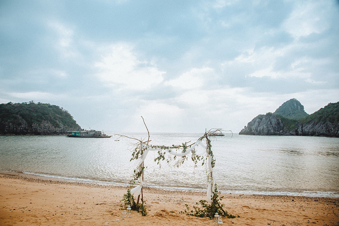 Đám cưới bí mật đẹp như mơ có 1-0-2 của cặp đôi Tây bỏ trốn trên đảo Cát Bà - Ảnh 30.