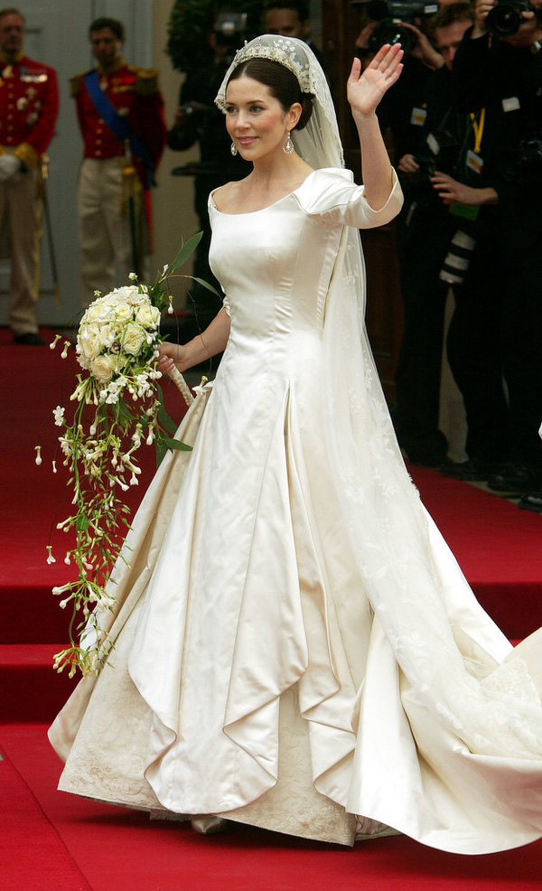 Có một vị công nương còn mặc đẹp hơn cả Kate Middleton - Ảnh 27.