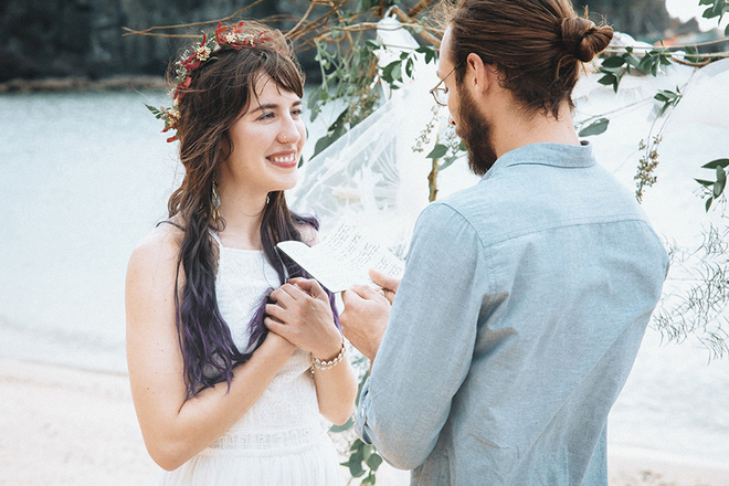 Đám cưới bí mật đẹp như mơ có 1-0-2 của cặp đôi Tây bỏ trốn trên đảo Cát Bà - Ảnh 14.