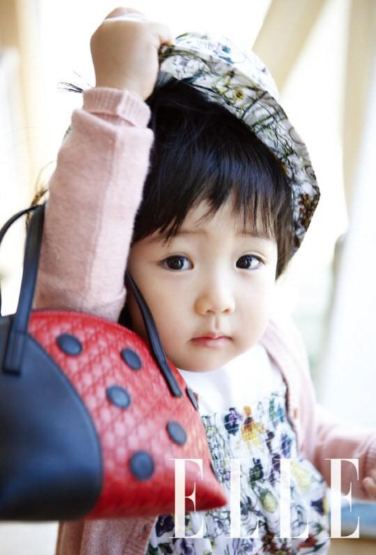 """Đâu kém cạnh bố mẹ là sao lớn xứ Hàn, các thiên thần nhí này cũng """"nổi như cồn"""", vang danh khắp mọi nơi - Ảnh 28."""