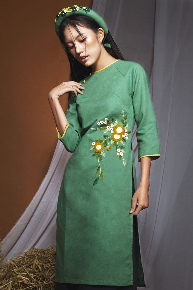 Những thiết kế áo dài cách tân thuần Việt giá dưới 1.5 triệu đẹp lung linh cho nàng diện Tết - Ảnh 15.