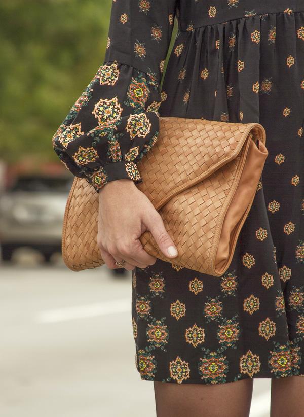 Đeo túi xách to nặng nhàm quá rồi, giờ muốn làm quý cô thời thượng thì phải cầm clutch đi làm mới chuẩn - Ảnh 23.
