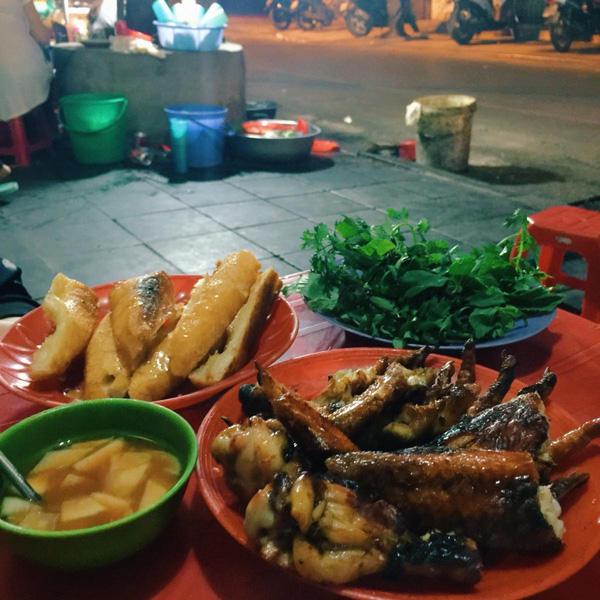 10 địa chỉ ăn vặt cực ngon ở khu Hồ Gươm để tận hưởng ngày cuối cùng của kì nghỉ - Ảnh 10.