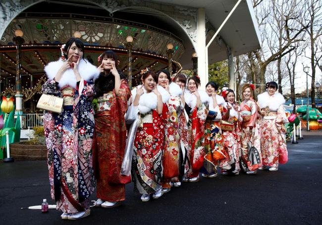 Các cô gái Nhật Bản xinh đẹp trong lễ trưởng thành - Ảnh 4.