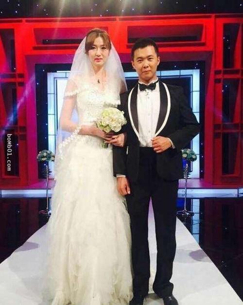 Mẹ chồng phá cửa để đón con dâu cao 2 mét vào nhà - Ảnh 4.