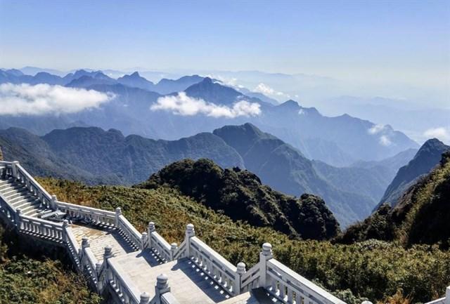Thành phố trên mây cách Hà Nội một đêm tàu - điểm đến đang khiến giới mê xê dịch phát sốt - Ảnh 17.