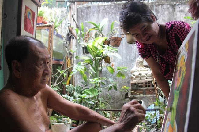 Cảnh đời nghèo mà vui của gia đình chồng vẽ tranh, vợ bán ve chai: Cứ vô tư mà sống, khổ cũng không buồn! - Ảnh 5.
