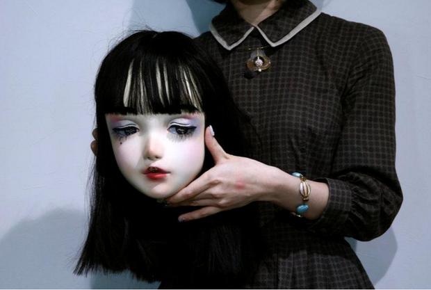 Chân dung búp bê sống tại Nhật Bản: Khi ranh giới giữa người và búp bê gần như bị xóa nhòa - Ảnh 4.