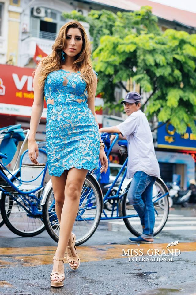 Lỗi thời trang của dàn thí sinh Miss Grand International: Người khoe hai lưng, người diện đầm như đồ cũ 10 năm trước - Ảnh 4.