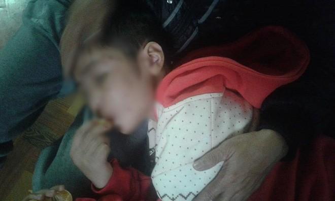 Mẹ kế khai nhận toàn bộ hành vi đánh đập, bạo hành cháu bé 10 tuổi ở Hà Nội - ảnh 4