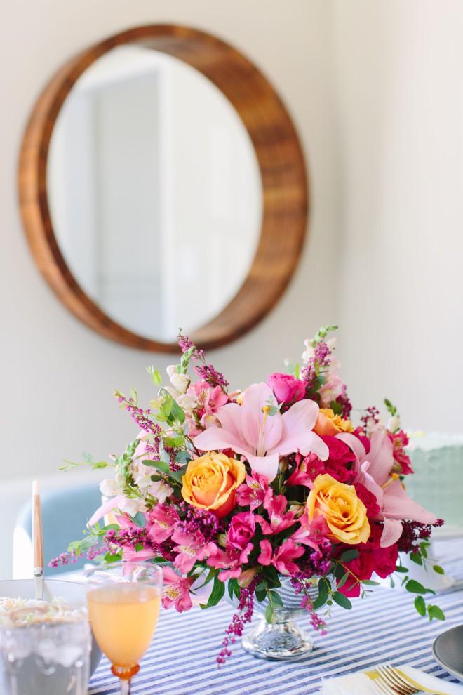 Những cách cắm hoa đơn giản giúp căn nhà từ buồn tẻ trở nên vô cùng sinh động - Ảnh 4.
