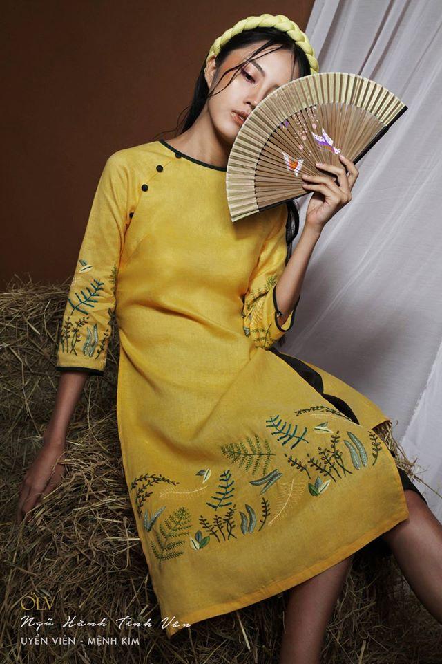 Những thiết kế áo dài cách tân thuần Việt giá dưới 1.5 triệu đẹp lung linh cho nàng diện Tết - Ảnh 17.
