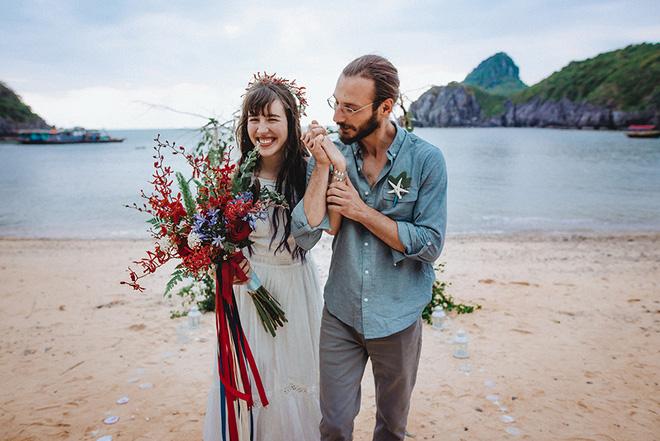 Đám cưới bí mật đẹp như mơ có 1-0-2 của cặp đôi Tây bỏ trốn trên đảo Cát Bà - Ảnh 33.