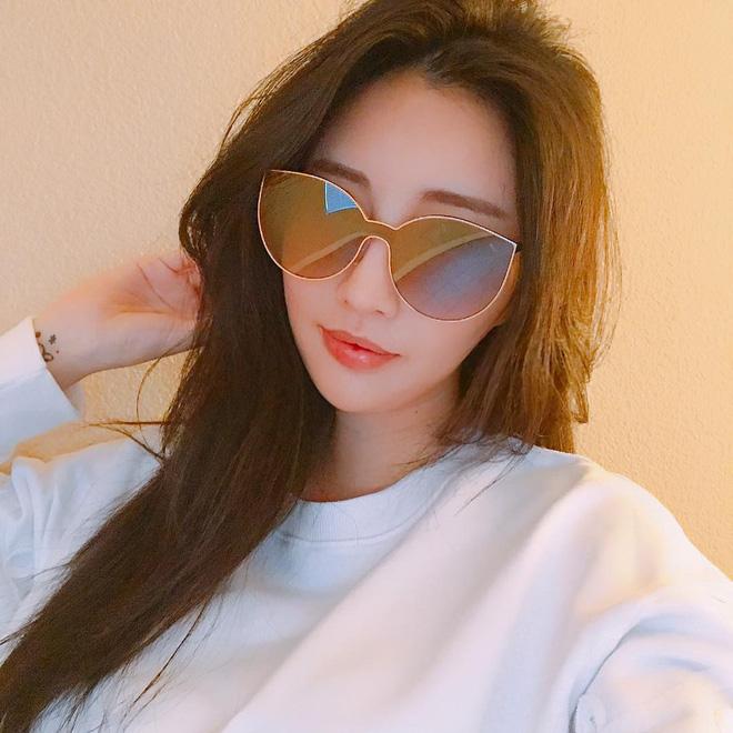 Sau Gentle Monster, giới trẻ Hàn đang đắm đuối với 2 thương hiệu kính mắt rẻ hơn mà cực cool này - Ảnh 33.