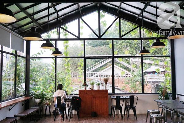 5 quán cà phê  ẩn mình trong hẻm vừa chất, vừa đẹp bất ngờ ở Sài Gòn - Ảnh 18.