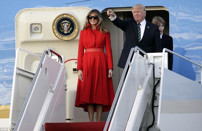 Ông bà ngoại cũng đi nghỉ dưỡng cùng cậu út nhà Tổng thống Mỹ - Ảnh 5.