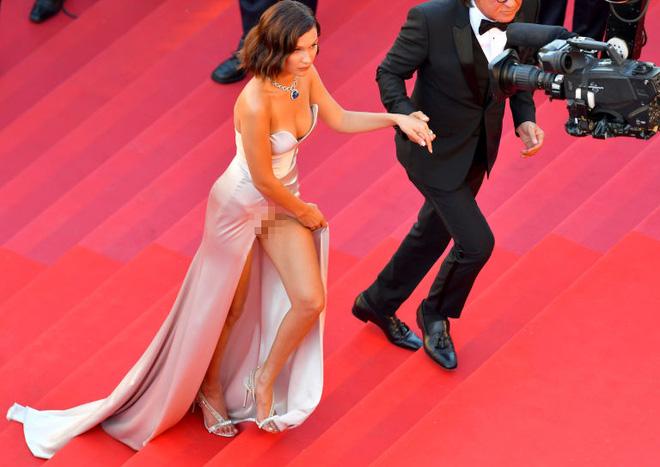 Lại diện váy xẻ ngút ngàn đến Cannes, và lần này Bella Hadid không tránh được tai nạn - Ảnh 5.