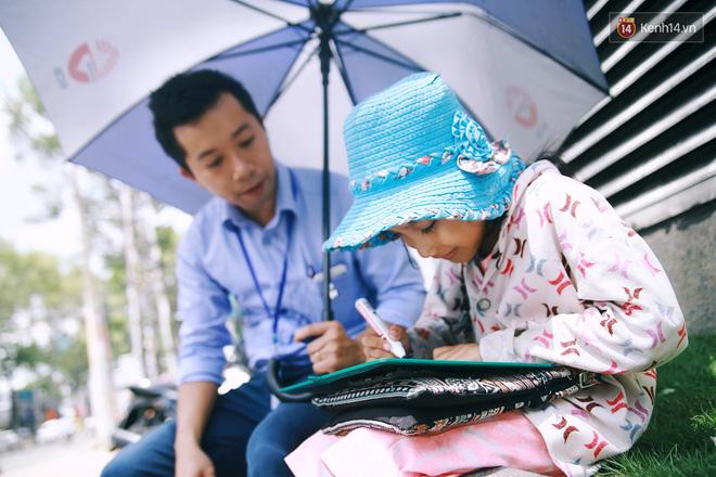 Nhiều người hỗ trợ chỗ học và tặng sách vở miễn phí cho cô trò nhỏ của anh nhân viên ngân hàng - Ảnh 6.