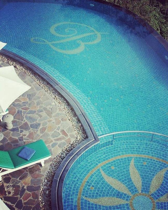 2 resort có bể bơi vô cực đẹp ngất ngây, cách Hà Nội chỉ 1 đêm đi tàu - Ảnh 14.