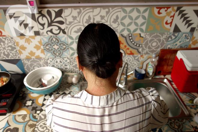 Phận bạc người phụ nữ cả đời làm osin (P2): Vỡ mộng ở Dubai, làm việc 22/24, cả ngày chỉ ăn 1 bữa cơm thừa - ảnh 5