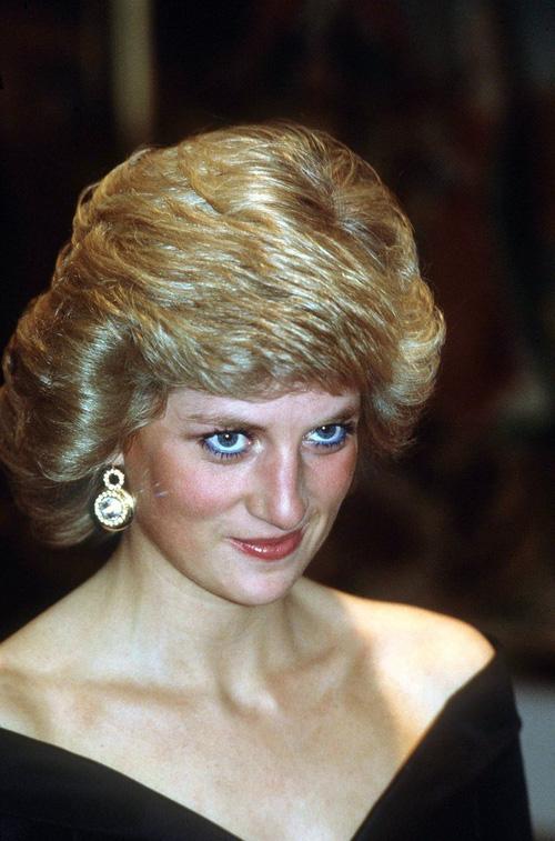 Không phải đen hay nâu, công nương Diana chỉ trung thành với kẻ mắt xanh dương - Ảnh 5.