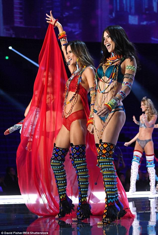 Alessandra Ambrosio chính thức giải nghệ sàn diễn Victorias Secret, giã từ cánh thiên thần sau 14 năm gắn bó - Ảnh 5.