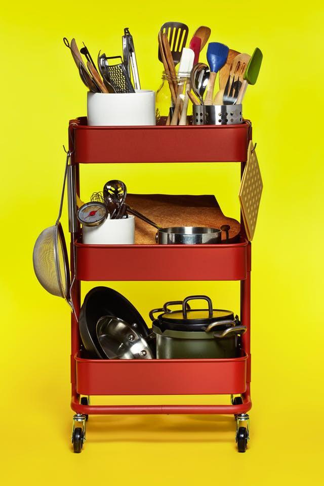 10 cách lưu trữ cực thông minh trong không gian nhà bếp nhỏ hẹp - Ảnh 4.