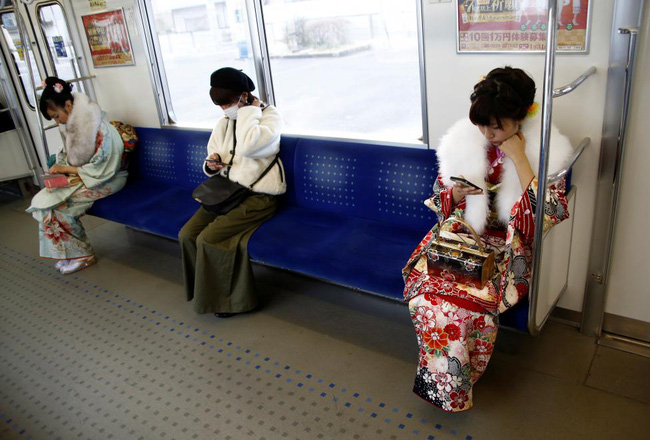 Các cô gái Nhật Bản xinh đẹp trong lễ trưởng thành - Ảnh 6.