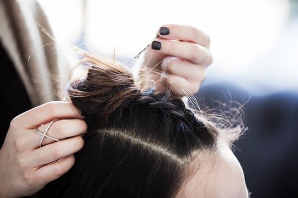 Làm điệu với 3 kiểu tết cực đơn giản dành cho các nàng tóc ngắn - Ảnh 6.