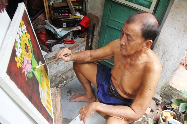 Cảnh đời nghèo mà vui của gia đình chồng vẽ tranh, vợ bán ve chai: Cứ vô tư mà sống, khổ cũng không buồn! - Ảnh 7.