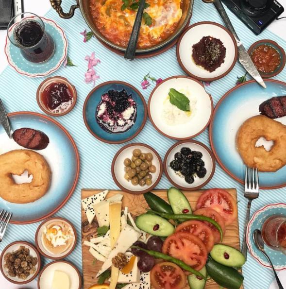 Vòng quanh thế giới, xem bữa sáng của các nước khác nhau thế nào - Ảnh 2.