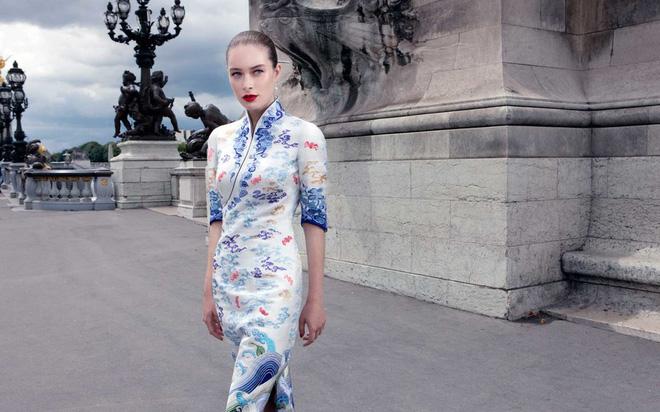 Đặt hẳn thiết kế Haute Couture làm đồng phục cho tiếp viên, Hainan Airlines chắc chắn là hãng hàng không chơi lớn nhất - Ảnh 6.