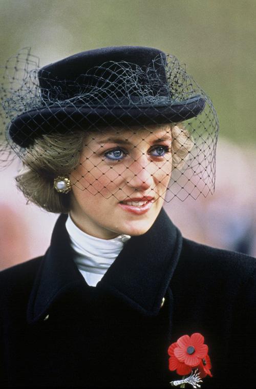 Không phải đen hay nâu, công nương Diana chỉ trung thành với kẻ mắt xanh dương - Ảnh 6.