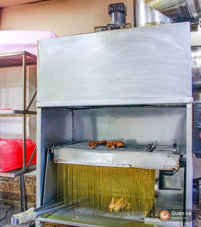 Khám phá tiệm cơm gà xối mỡ công nghệ cao xịn vô đối ở Sài Gòn - Ảnh 6.