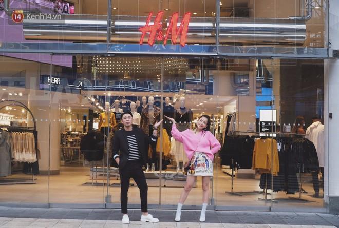 Năm 2017, chỉ khi Zara nắm tay H&M về Việt Nam, giới trẻ Việt mới có những ngày xếp hàng và mua sắm bùng nổ đến vậy - Ảnh 9.