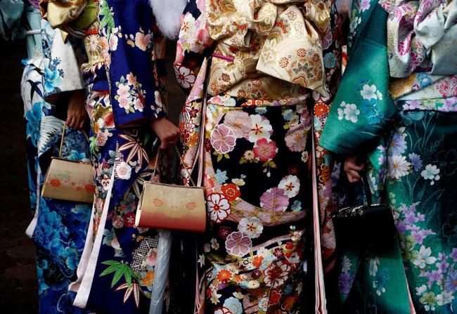 Các cô gái Nhật Bản xinh đẹp trong lễ trưởng thành - Ảnh 7.