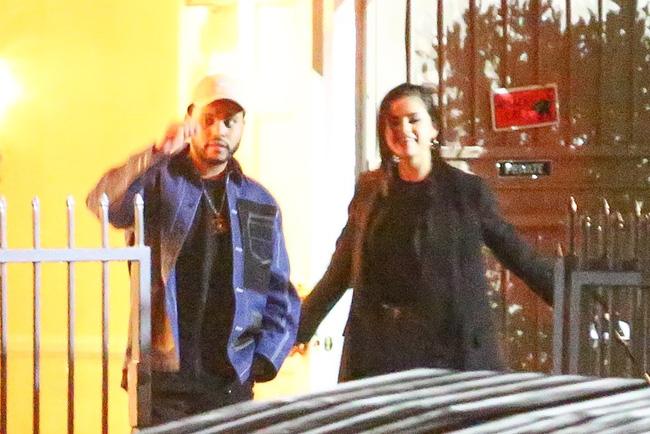 HOT: Selena Gomez lộ ảnh công khai hôn môi The Weeknd tình tứ - Ảnh 7.
