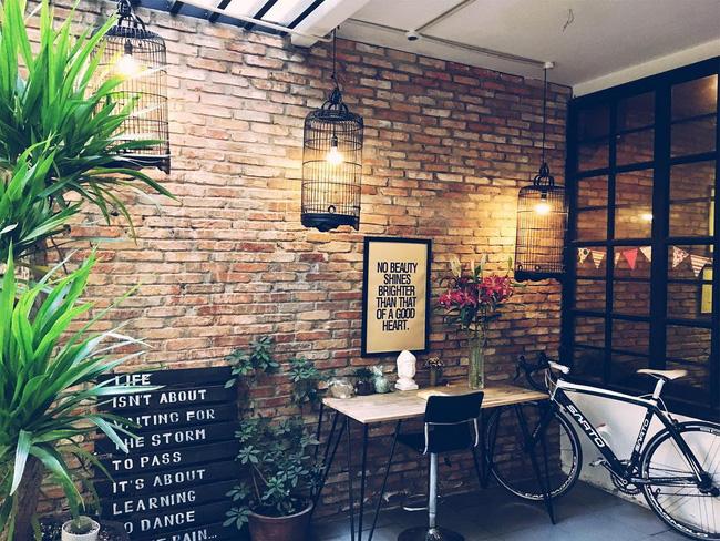 5 quán cà phê  ẩn mình trong hẻm vừa chất, vừa đẹp bất ngờ ở Sài Gòn - Ảnh 20.